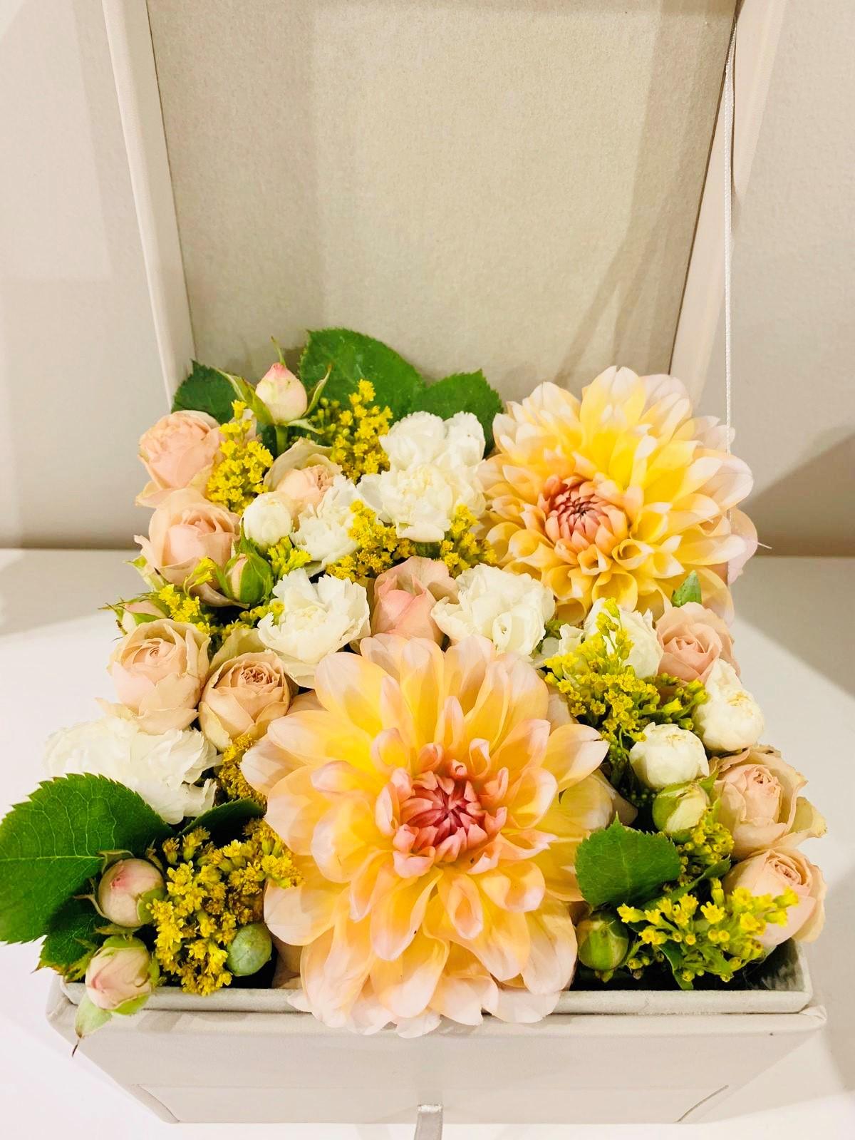Fleurs fraîches pour la fête des amoureux.