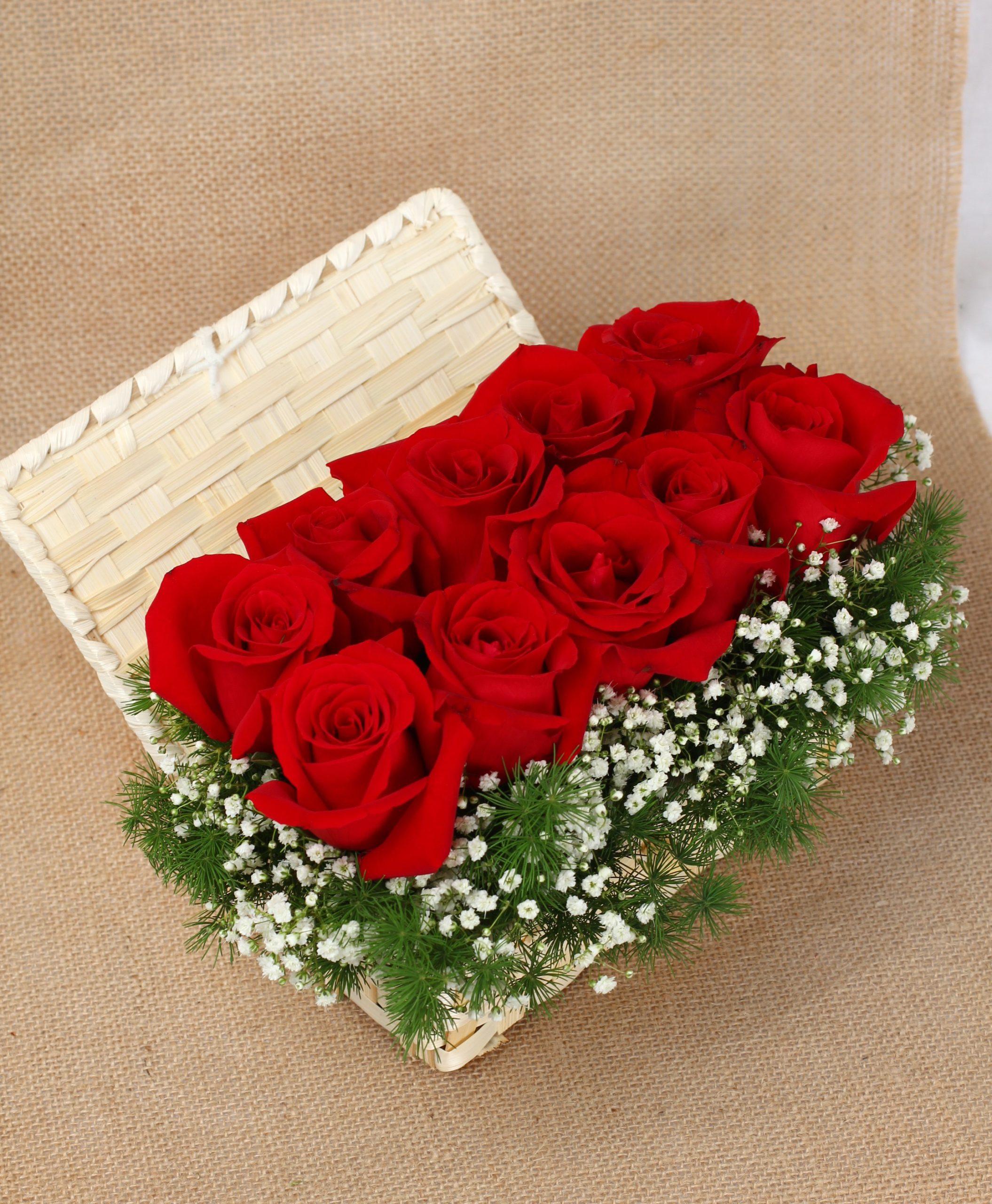Boîte de roses romantique.