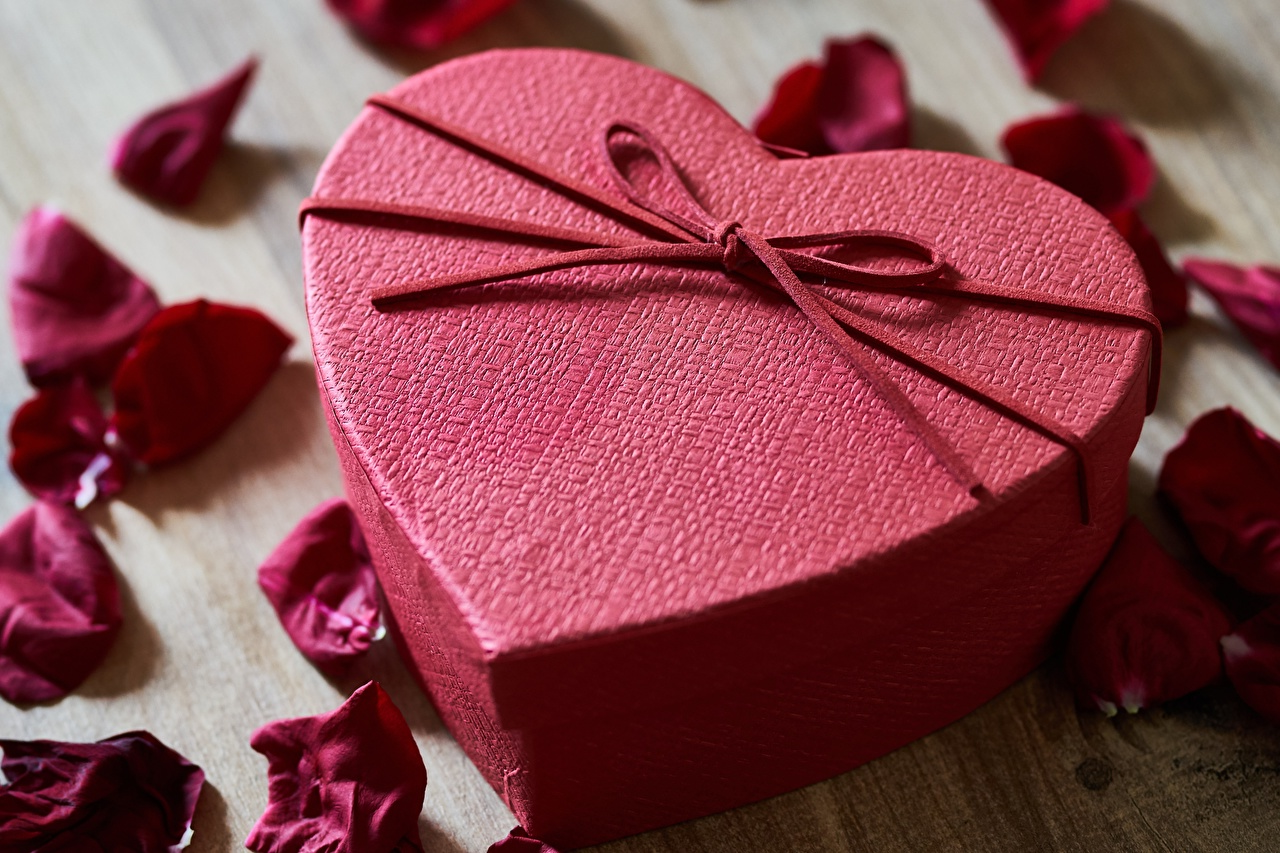 Une boîte rouge de la Saint Valentin