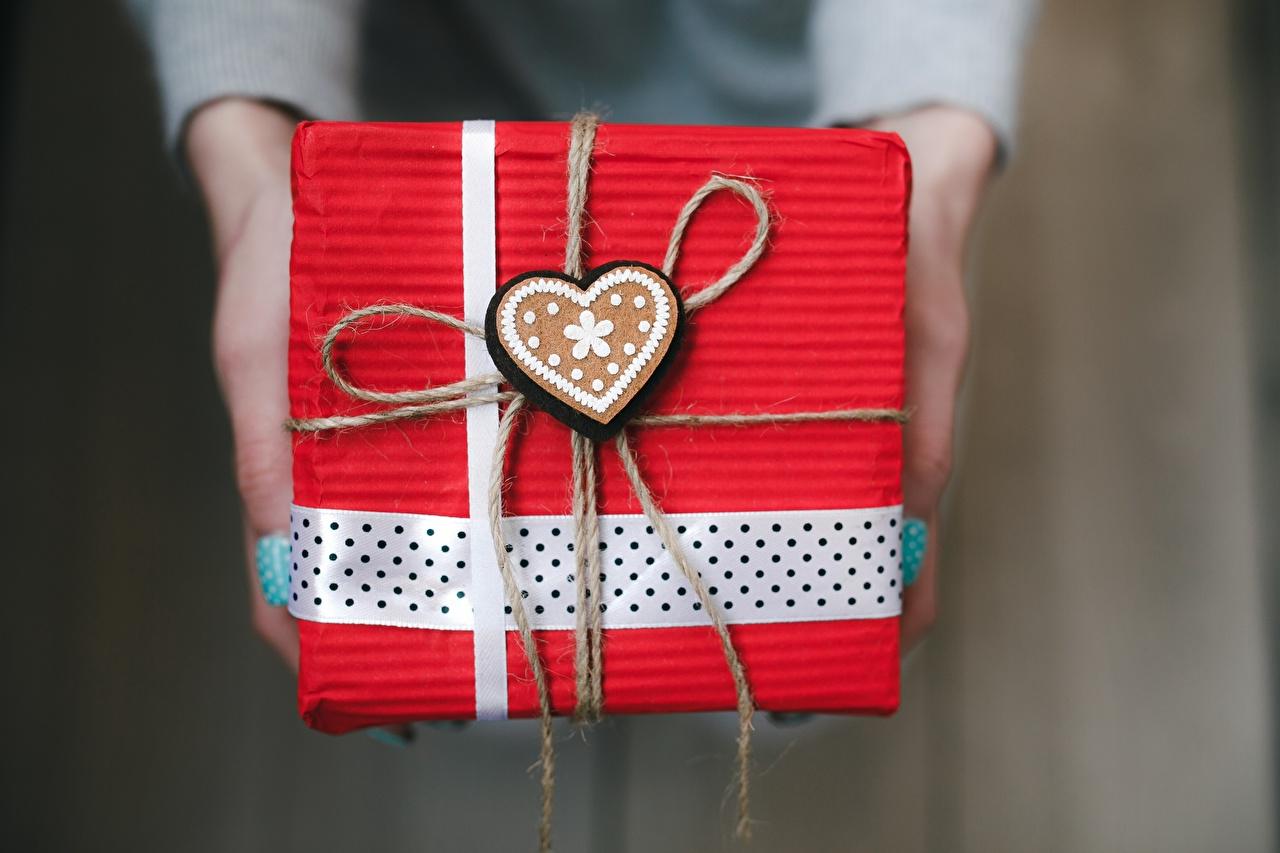 Box Saint Valentin décorée à la main