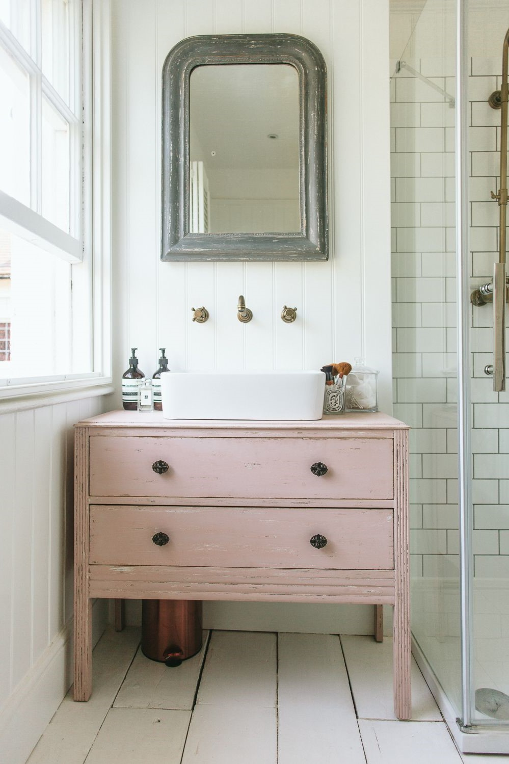 See how to turn a dresser into a vanity.