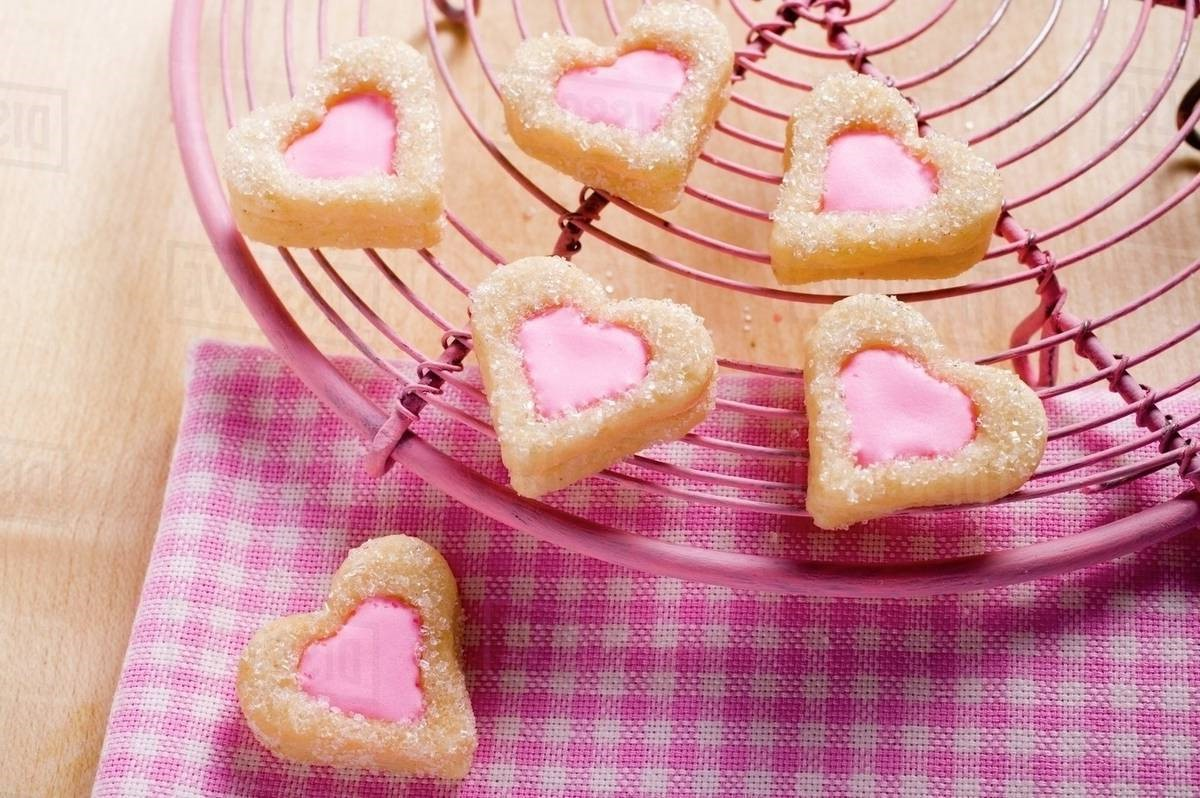 Idées de repas pour la Saint-Valentin: biscuits en forme de coeur.