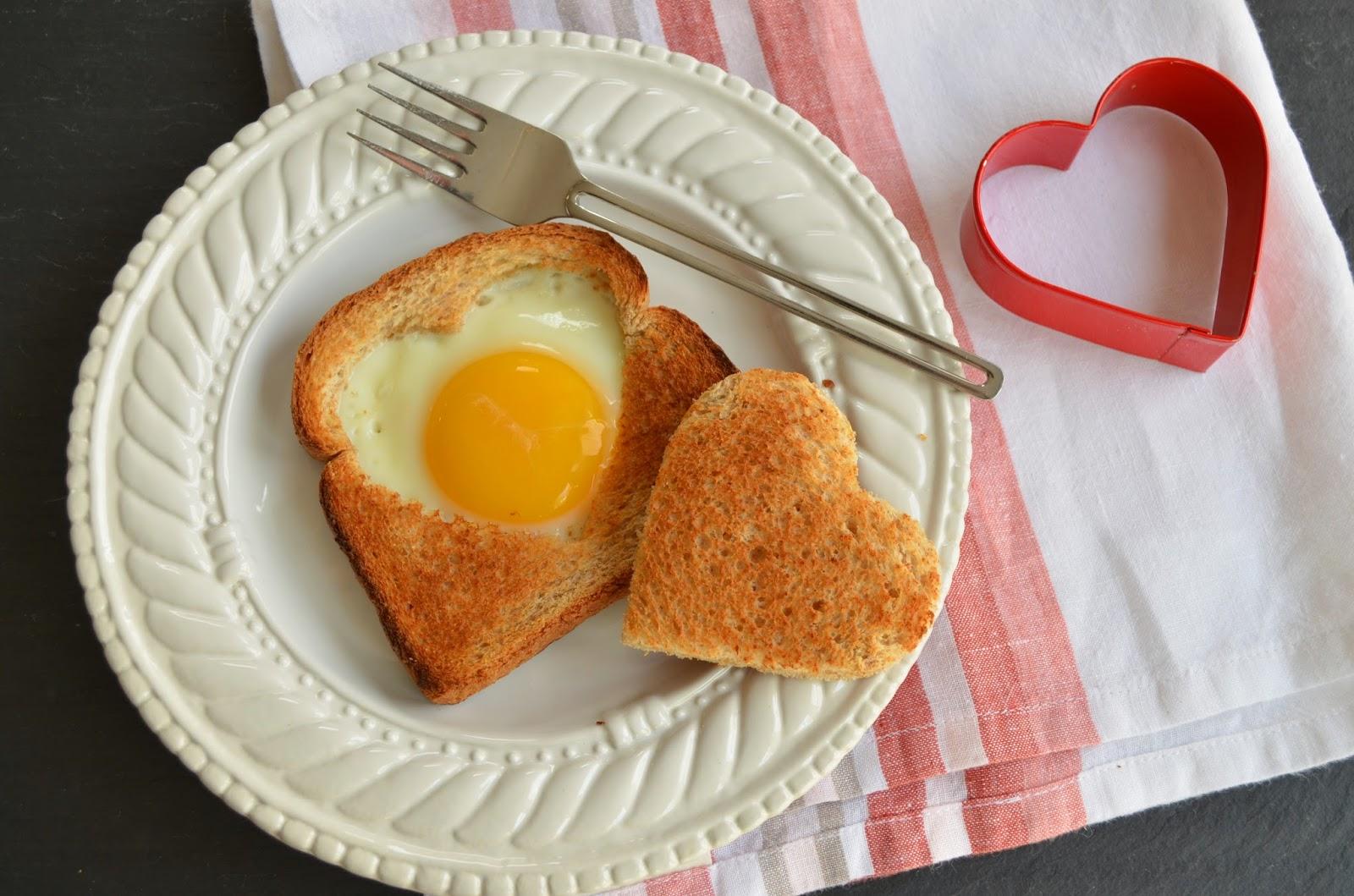 Idées de repas pour la Saint-Valentin: petit déjeuner romantique.