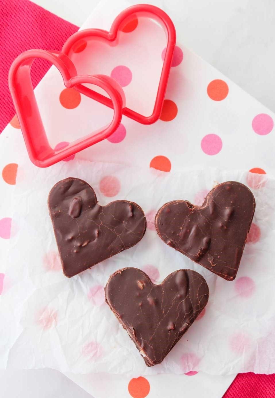 Brownies en forme de coeur.