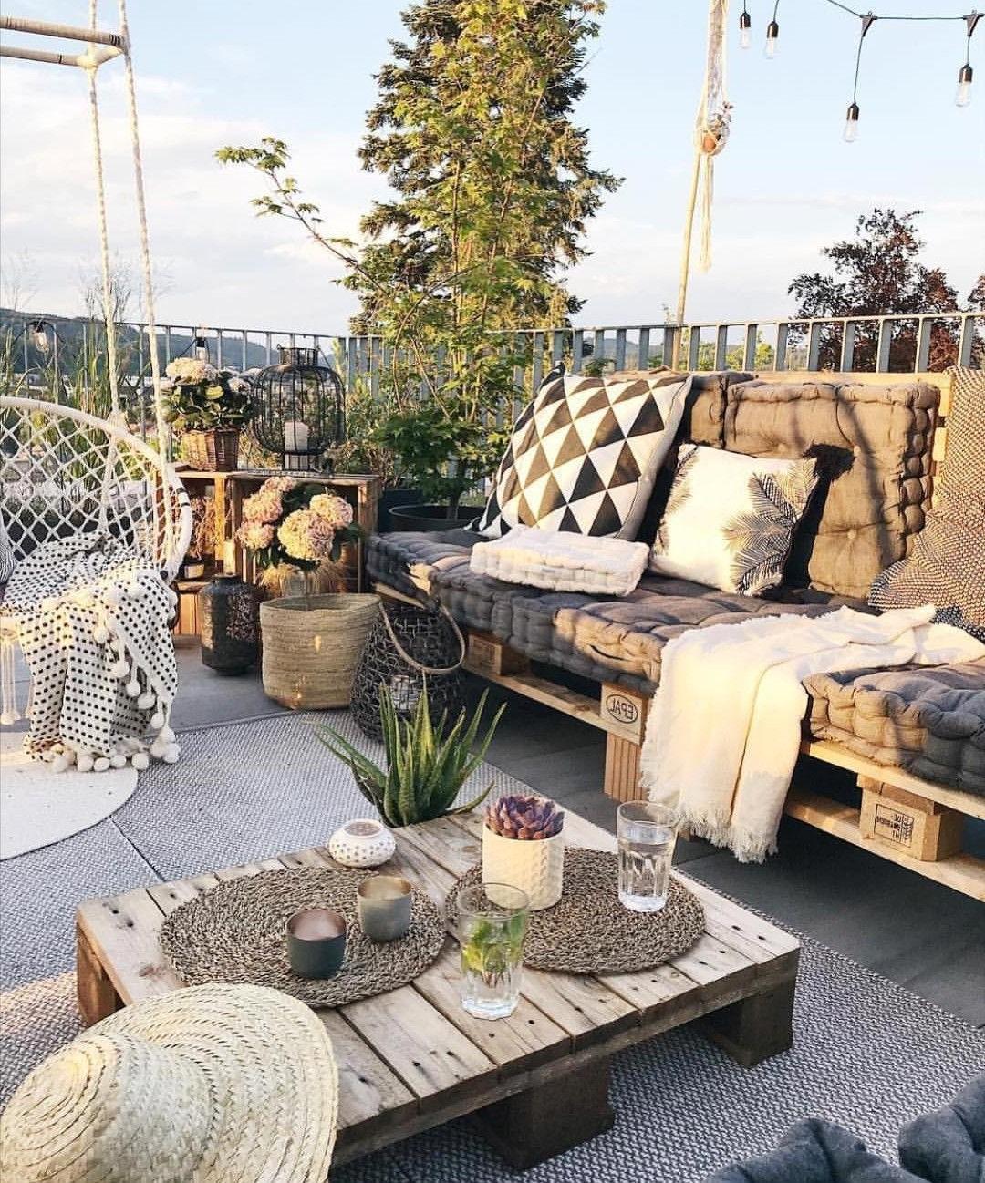 Canapé et table basse en palette bricolage.