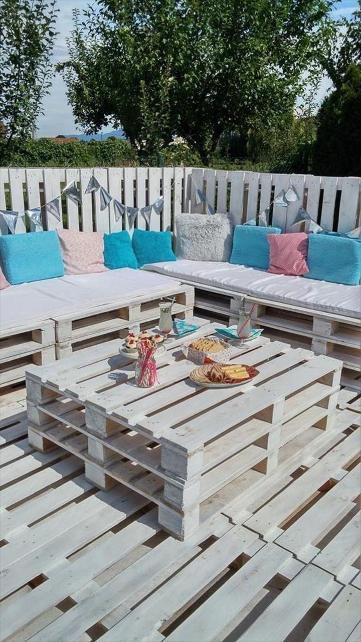 Salon de jardin en palette.