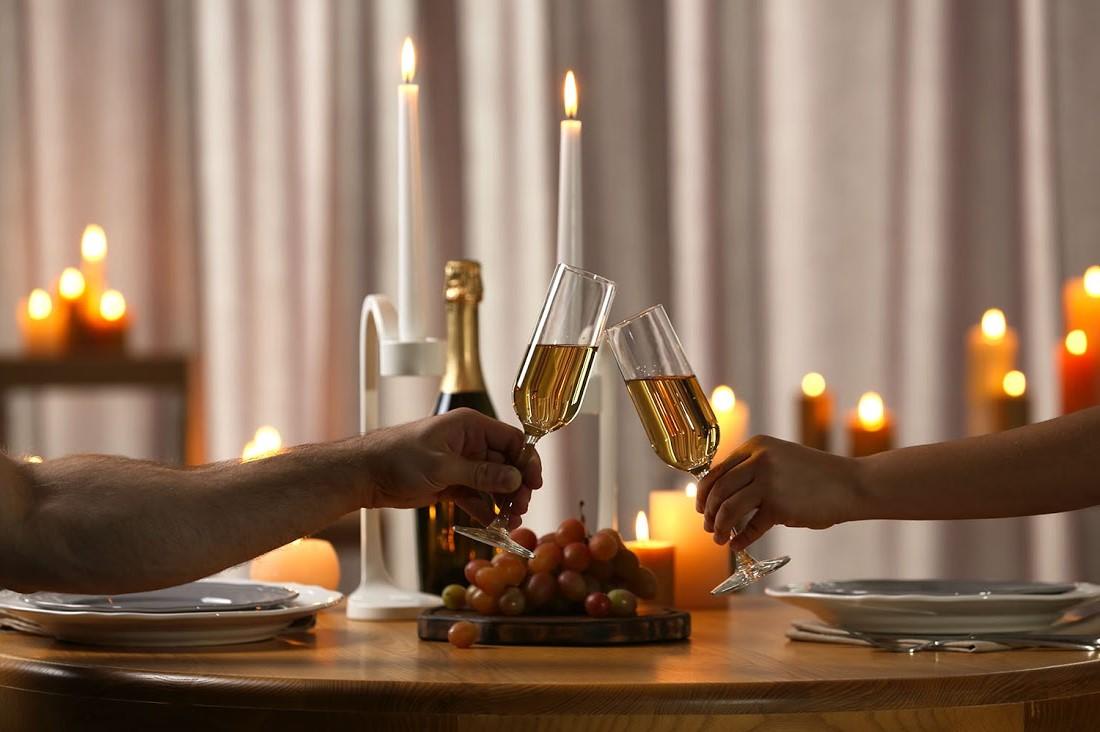 N'oubliez pas d'acheter un vin ou un champagne qui convient au repas que vous servez.