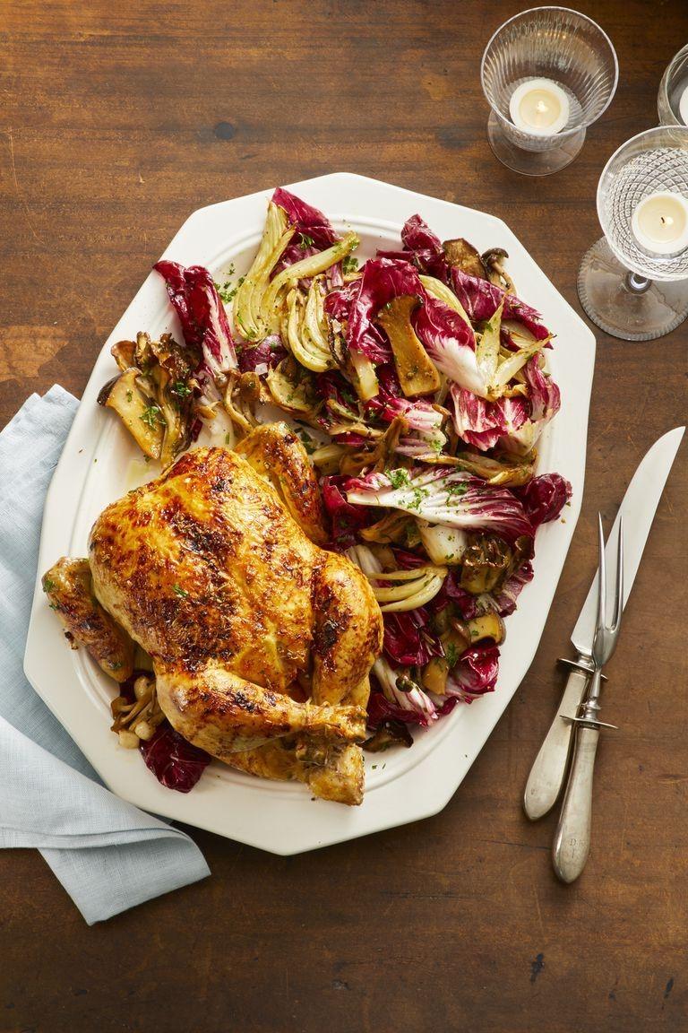 Poulet au four avec salade fraîche.