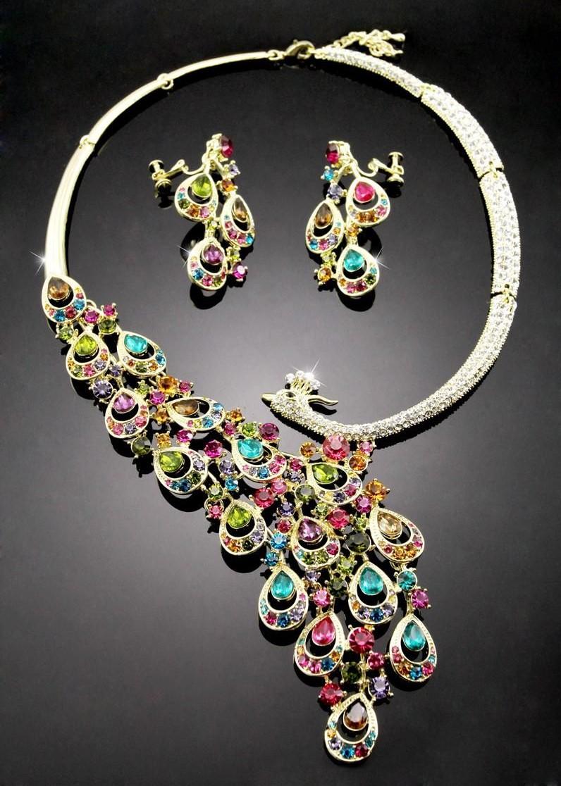 Un collier extravagant bijoux pour la Saint Valentin