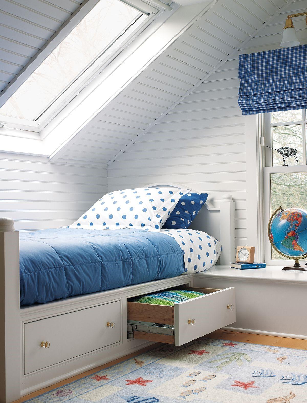 Chambre à coucher en bleu et blanc.