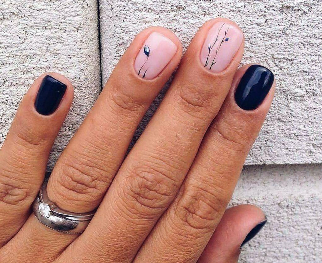 Déco d'ongles simple et élégante.