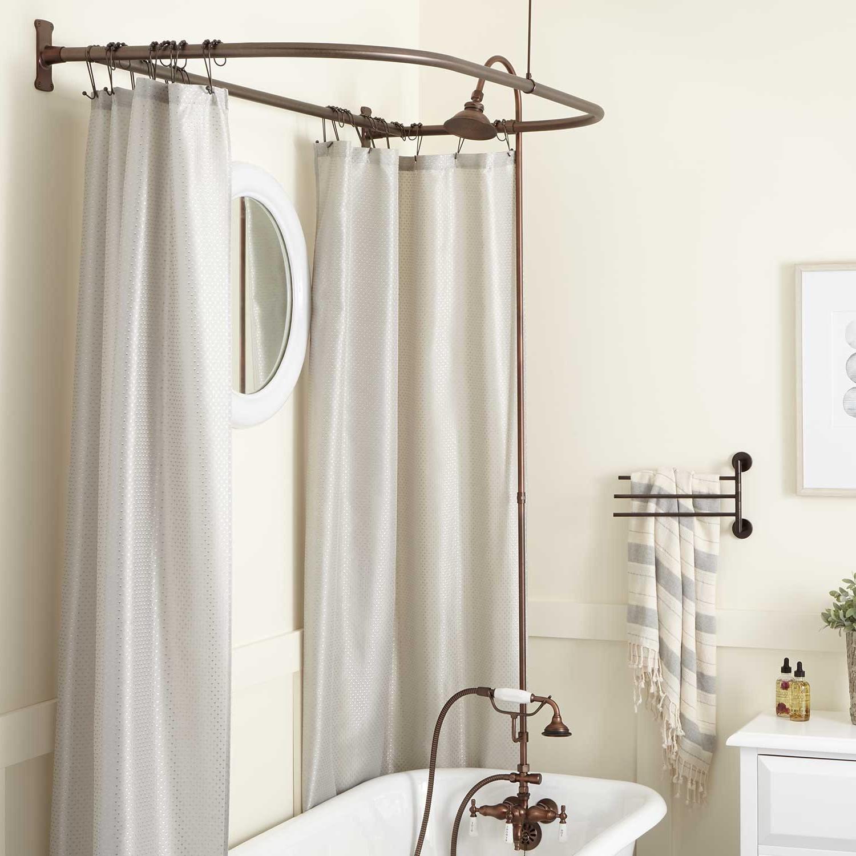 La douchette dans la salle de bains peut être fixée quelque part, mais elle peut également être tenue en main pendant la douche.