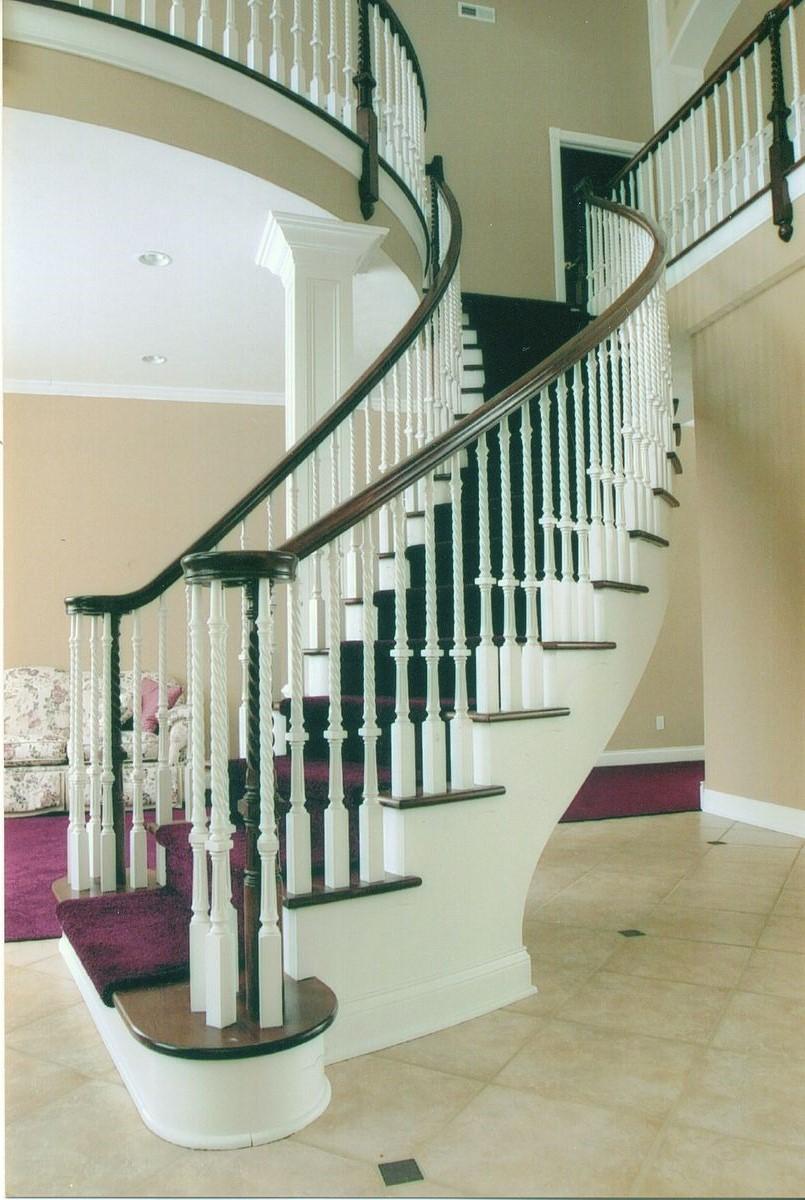 Une fois que vous avez un design, il est tout à fait possible d'acheter un escalier dans un entrepôt de bricolage ou un marchand de bois.