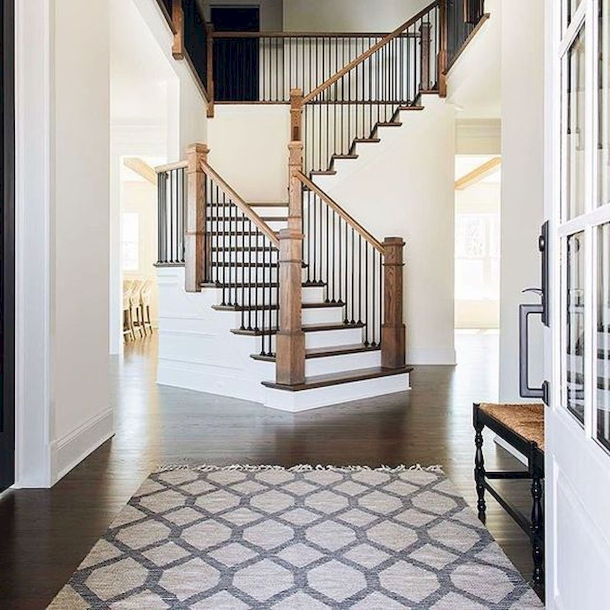 Escalier en bois simple.