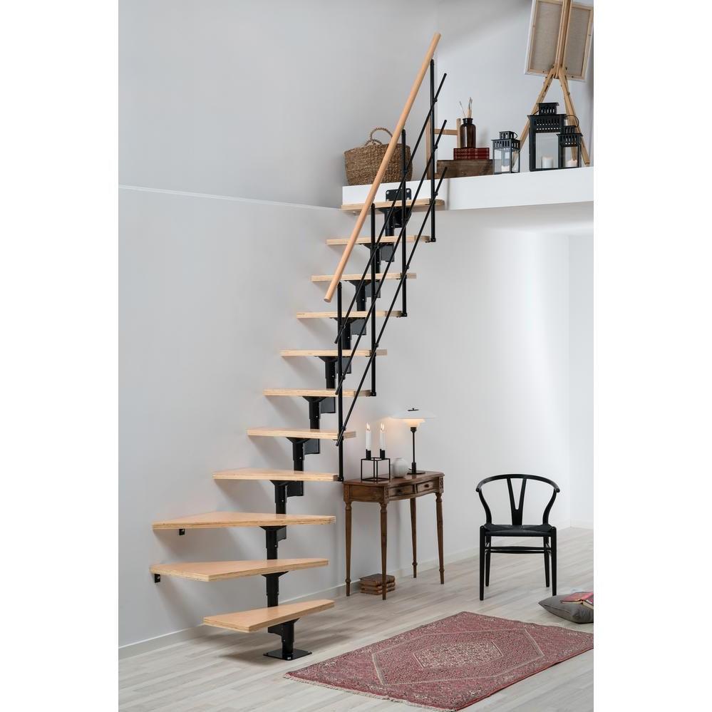 Escalier en bois et en métal.