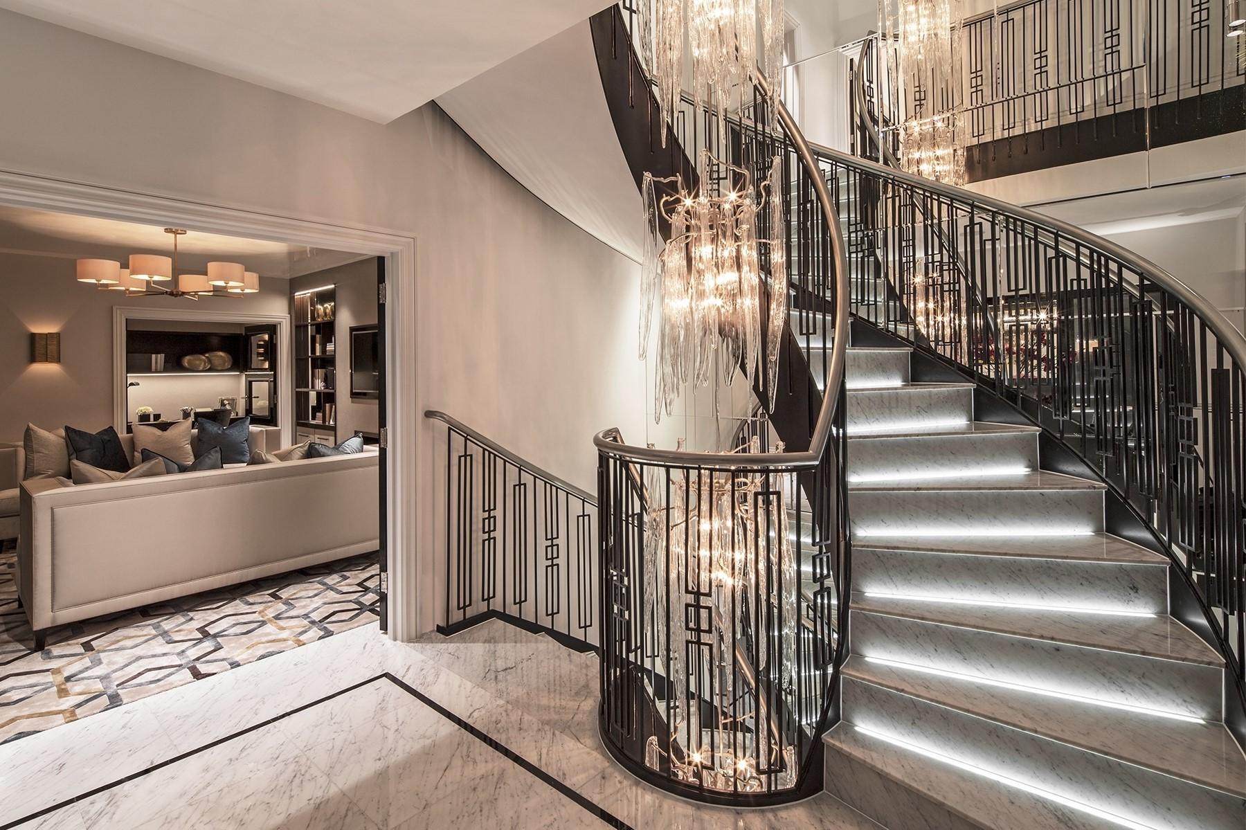 Illuminez les marches de votre escalier pour une touche moderne.