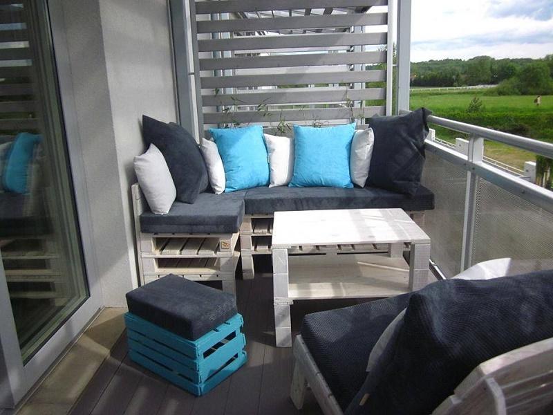 Mobilier de palettes en bois élégant pour la terrasse