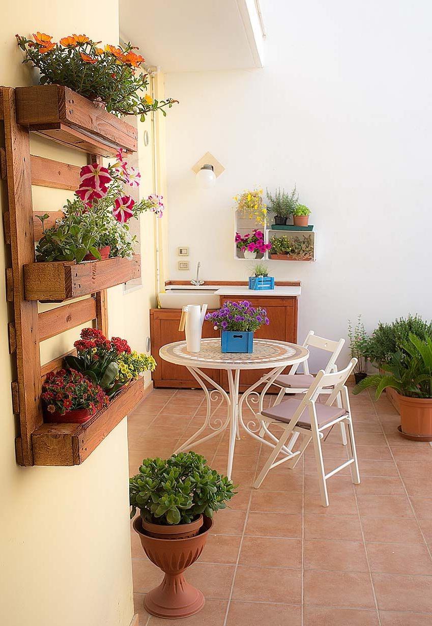 Idée pour une étagère murale pour fleurs