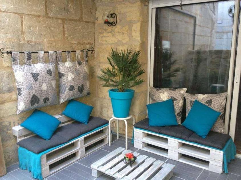 L'idée d'un canapé palette pour la terrasse