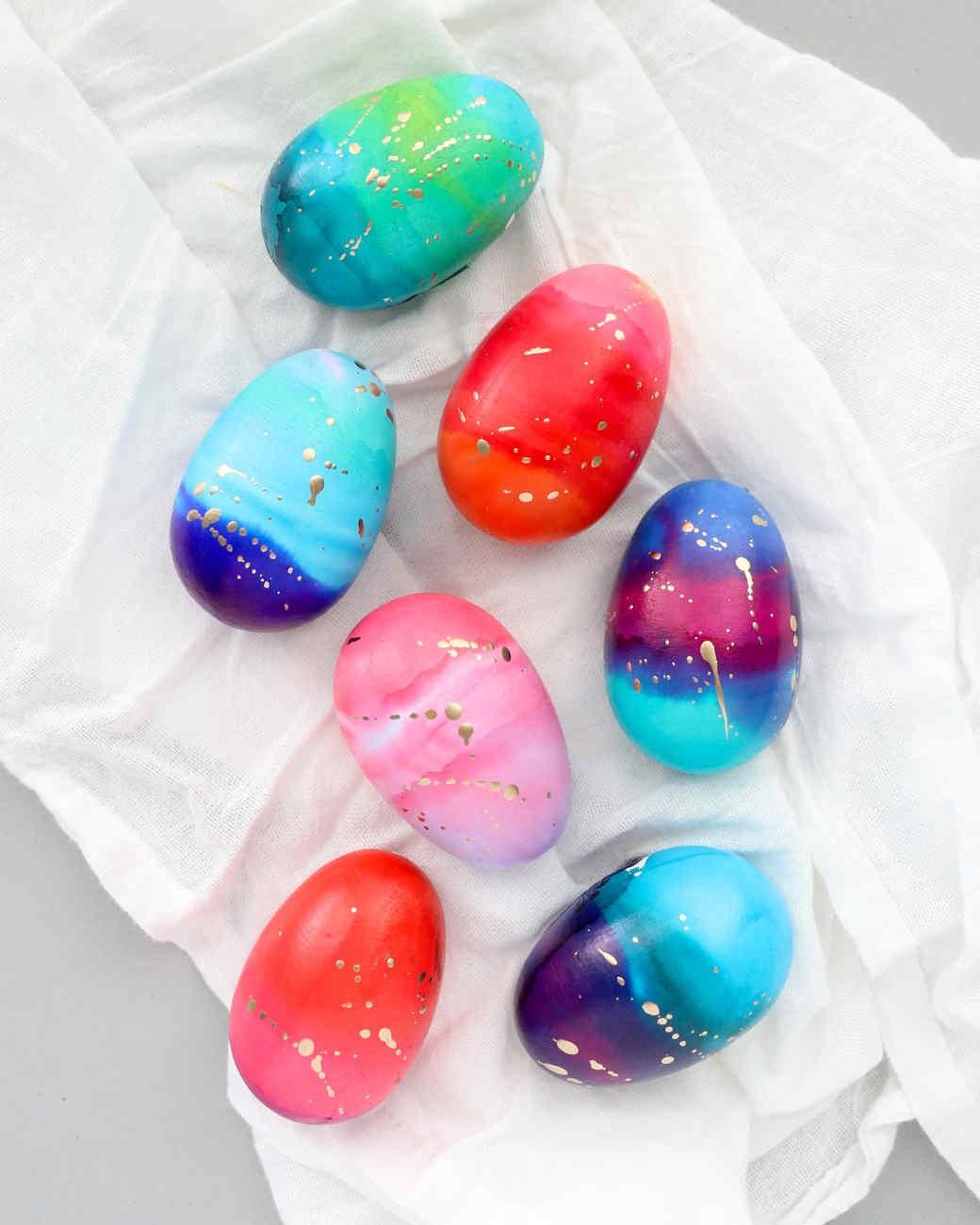 Bricolage de Pâques pour adultes: oeufs cosmiques.