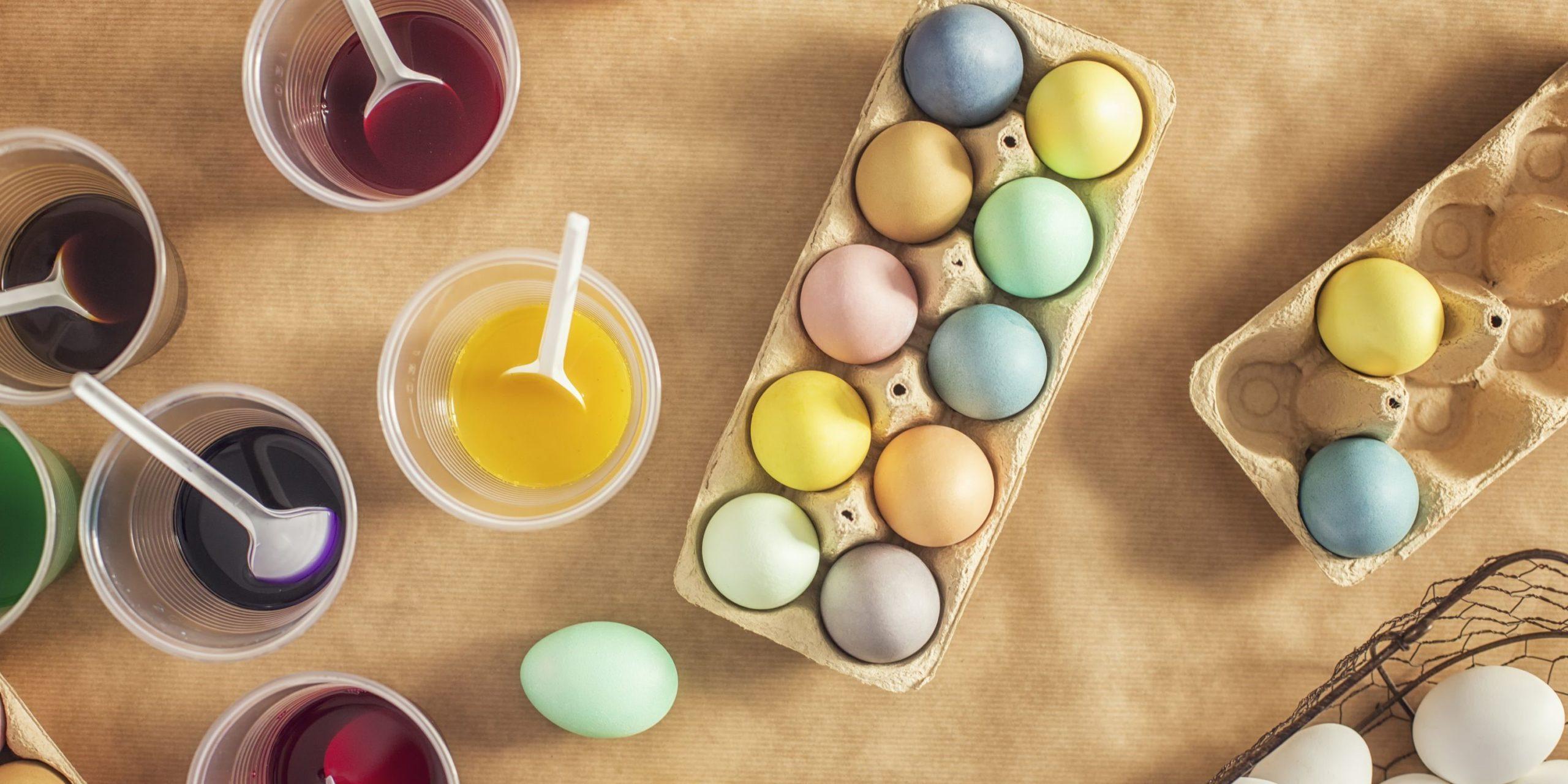 Utilisez 2 cuillères à soupe de curcuma pour une couleur jaune.