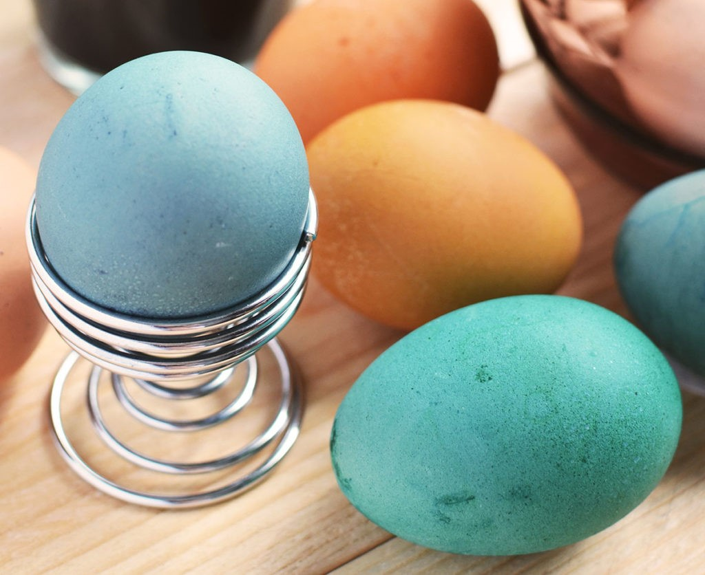 Vous pouvez rendre ce projet de bricolage de Pâques pour adultes encore plus facile.