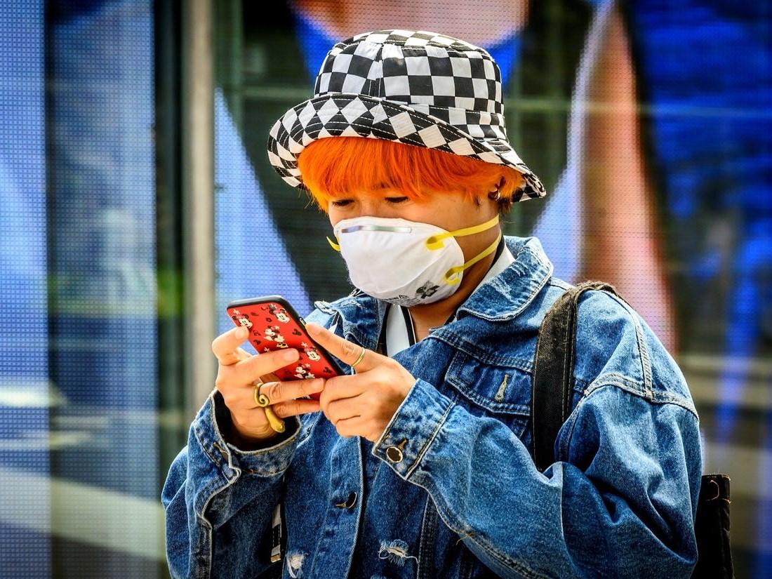 Les scientifiques doutent de l'efficacité des masques faciaux pour protéger une personne en bonne santé contre les virus aéroportés.
