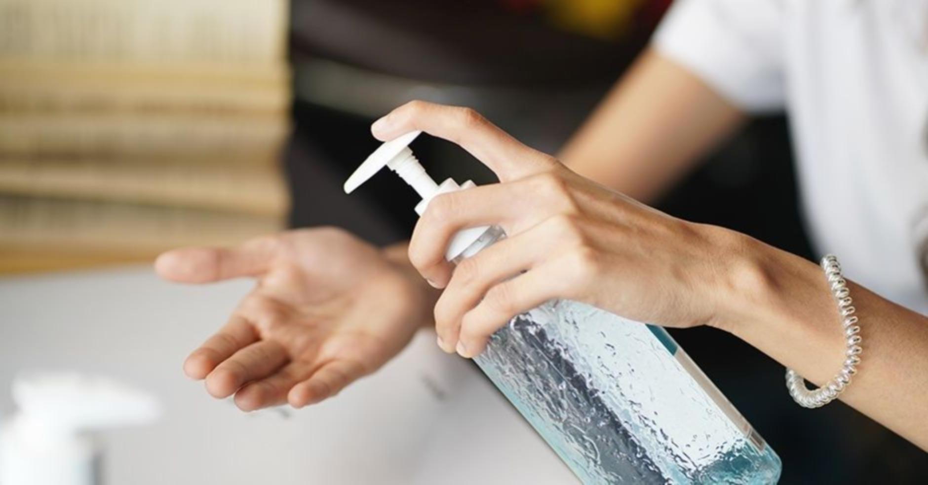 Pour une bonne hygiène, utilisez de l'alcool, du savon ou du gel