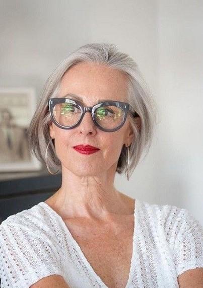 Les meilleures coupes courtes pour les femmes de 50 ans et plus.