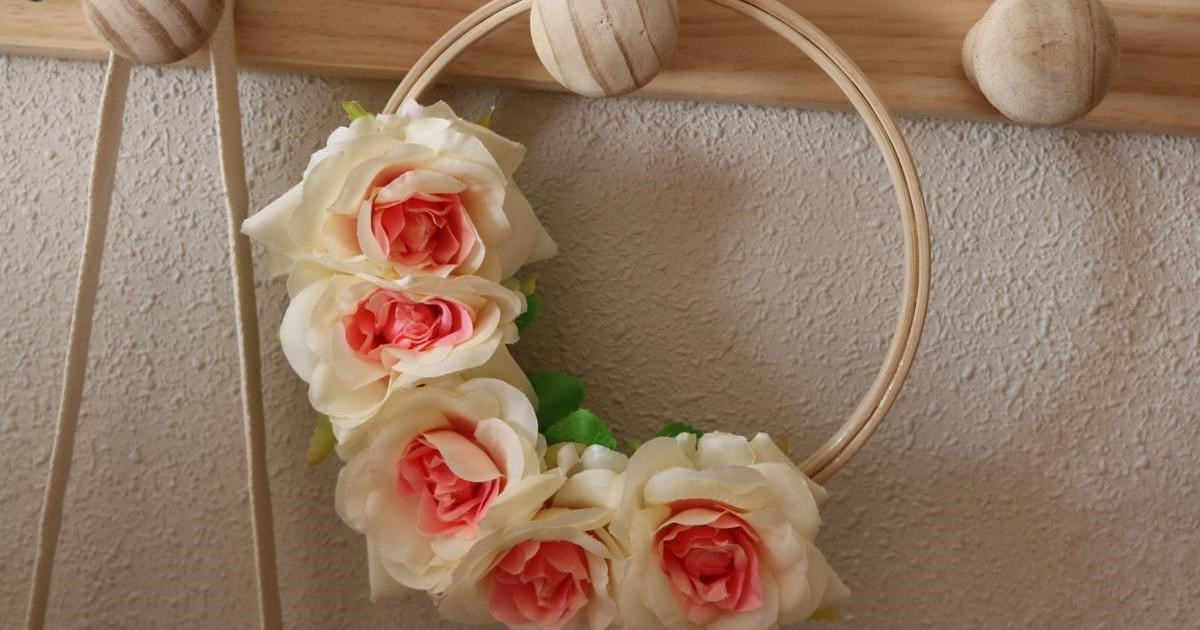 Couronne de Pâques pour en faire une pure option avec des fleurs