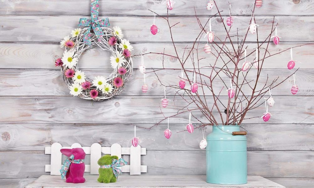 Couronne de Pâques à faire soi-même avec une belle décoration