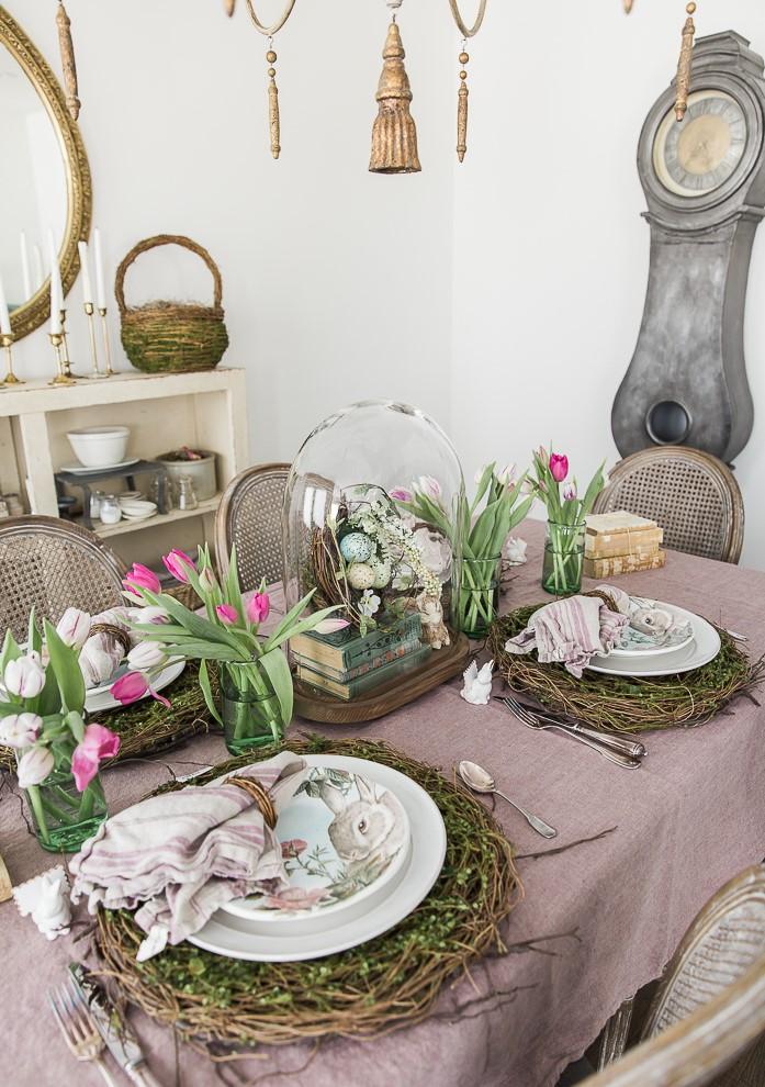 Décoration de table festive pour Pâques.