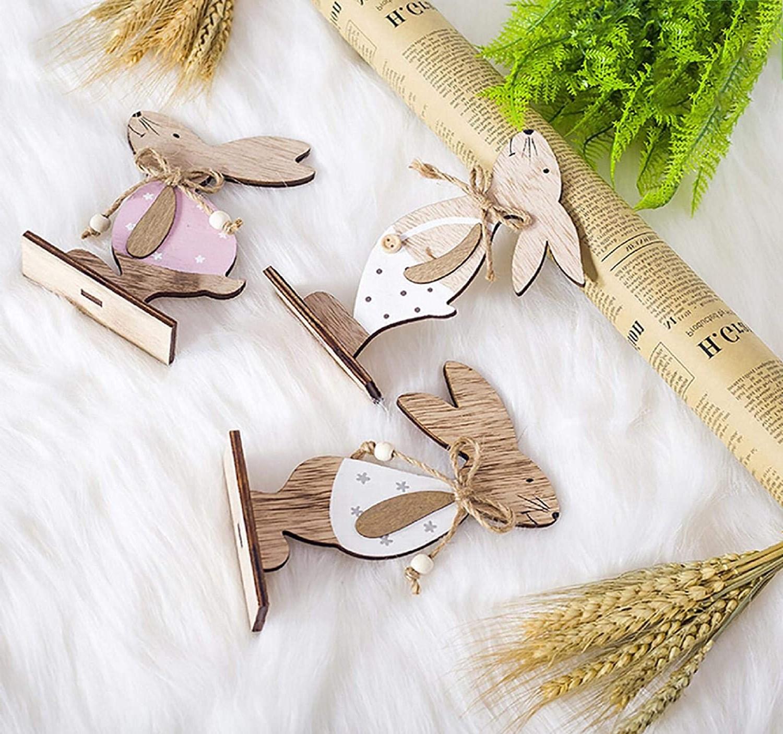 Lapins en bois décoratifs.