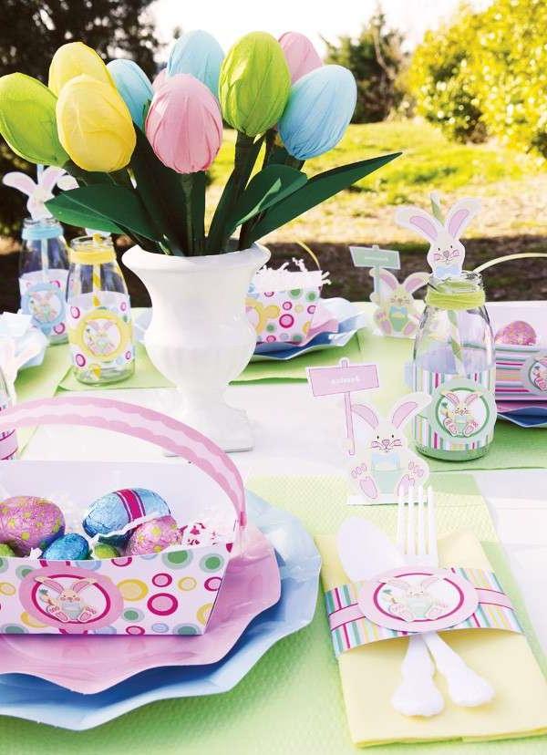 Oeufs artificiels pour la décoration de Pâques