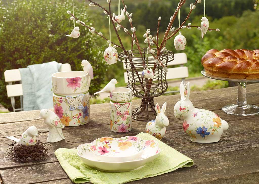 Une idée de décoration de table dans le jardin pour Pâques