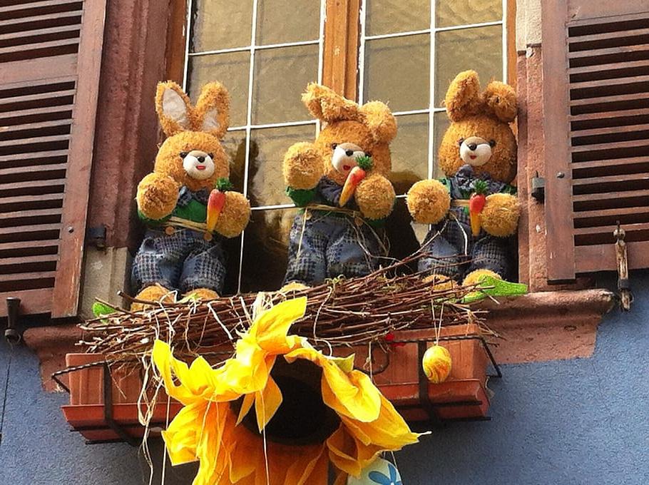 Idée de décoration de fenêtre de Pâques