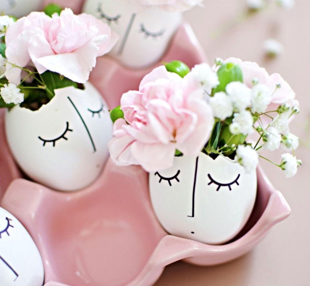 Vase à fleurs mignonne.
