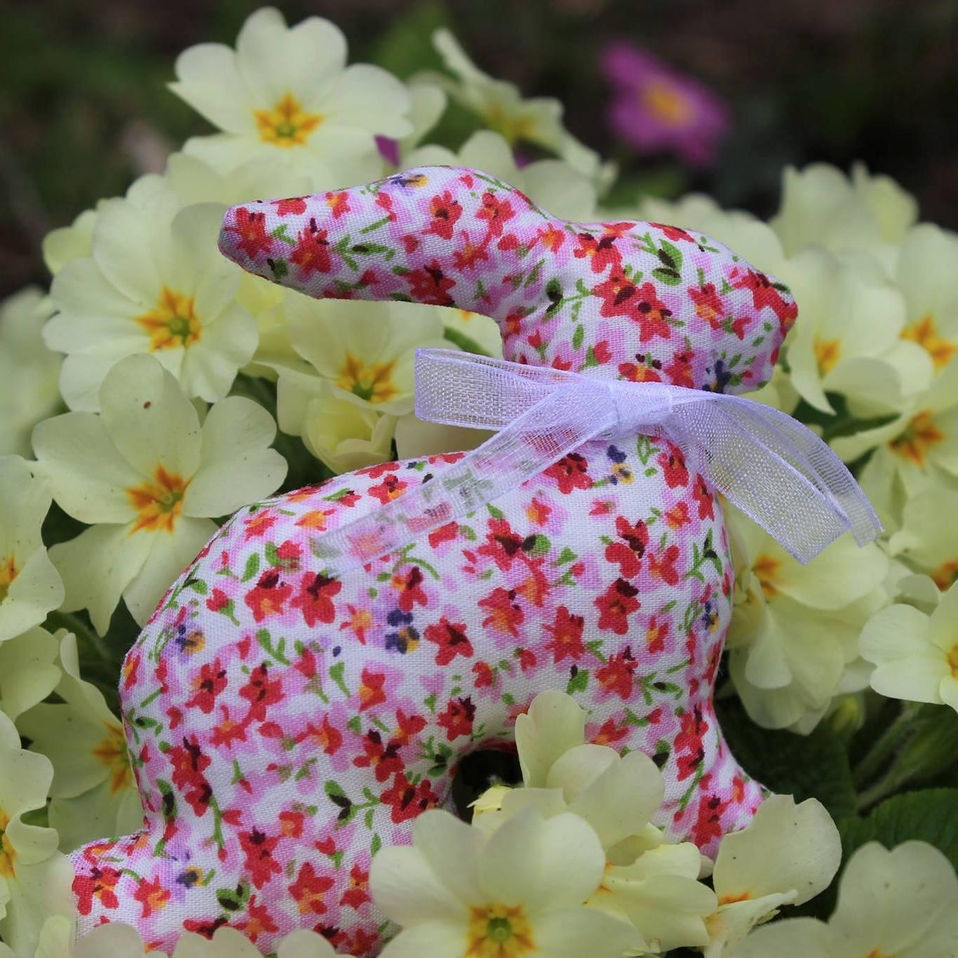 Décoration textile de lapin de Pâques