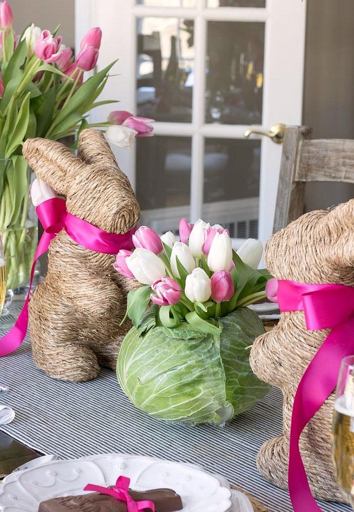 Décoration de Pâques - lapins et tulipes