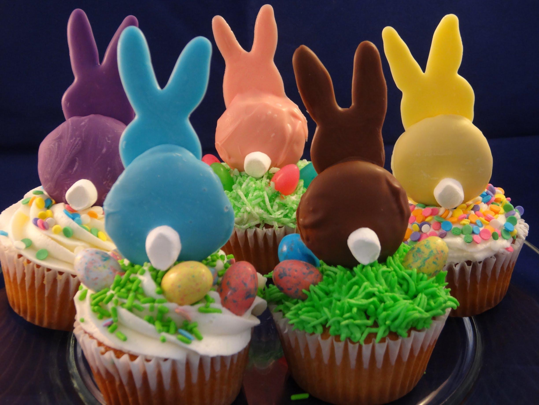 Dessert de Pâques - muffins décorés de lapins de Pâques