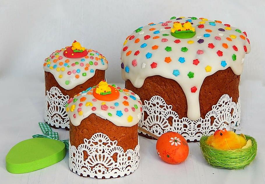 Dessert de Pâques - mini gâteaux au chocolat blanc