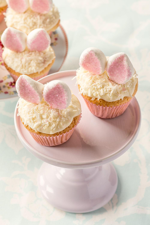 Dessert de Pâques - muffins à la vanille avec noix de coco