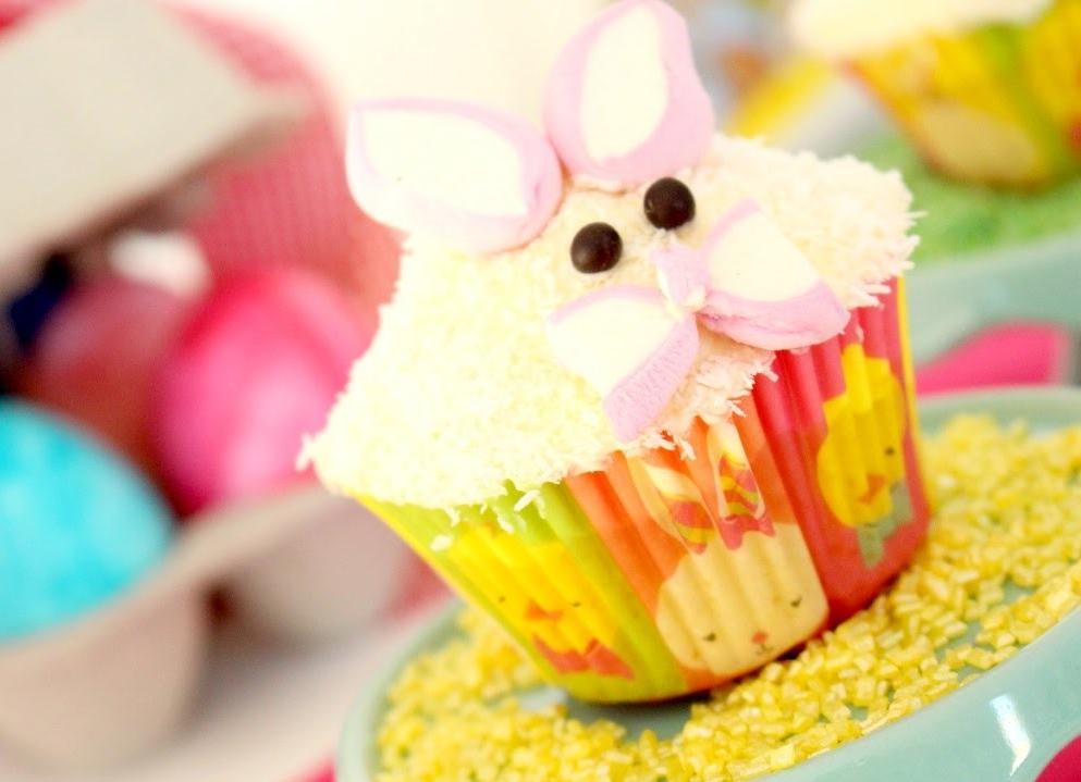 Dessert de Pâques - muffins à la vanille et à la noix de coco