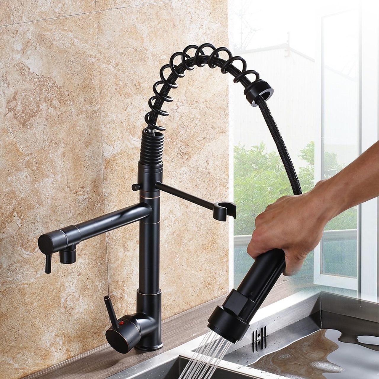 robinets de cuisine à tirette.