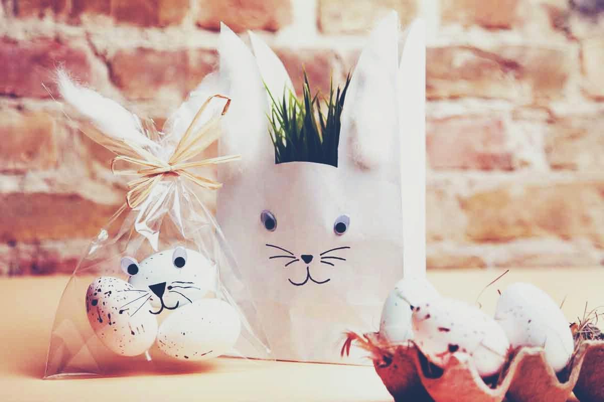 Sacs à bonbons en forme de lapins de Pâques.