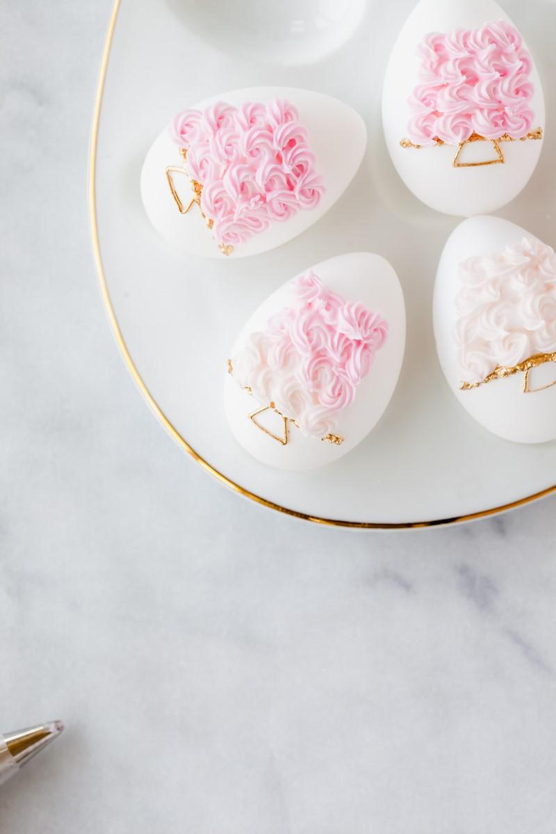 Oeufs de Pâques élégants.