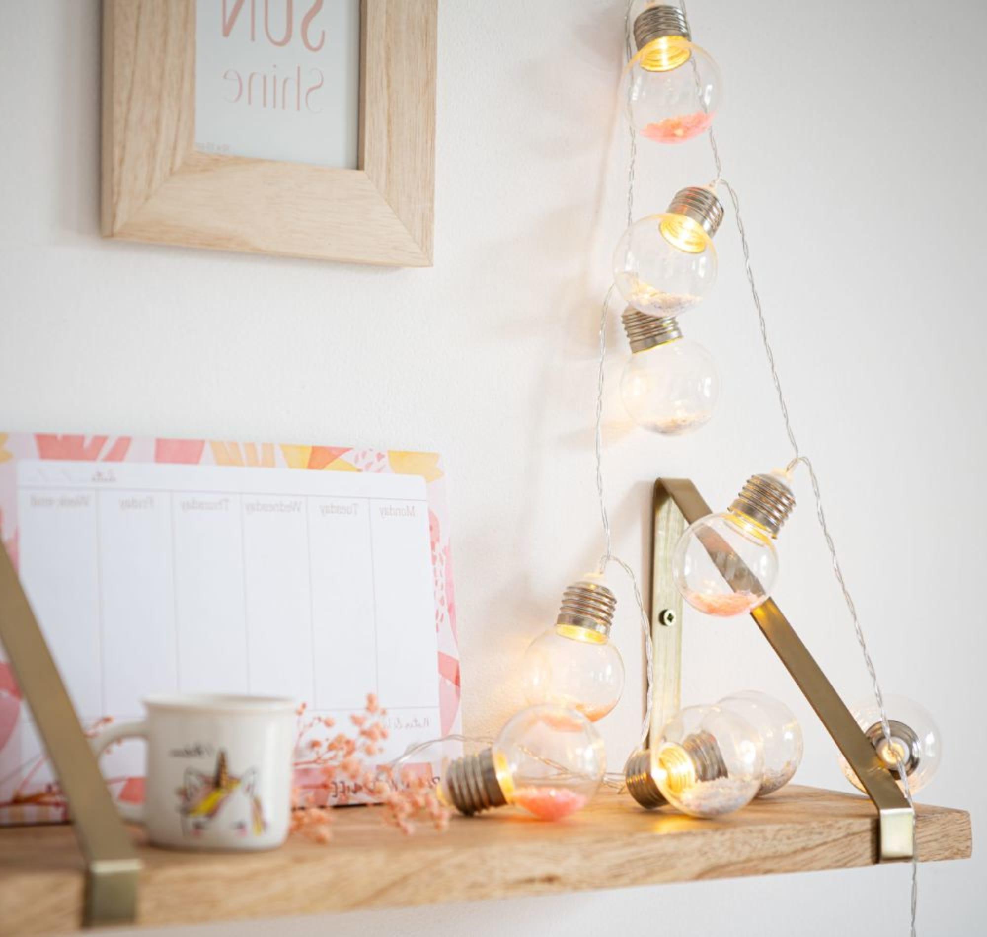 Luminaire Maison du monde - Guirlande lumineuse 10 LED ampoules roses et blanches L165