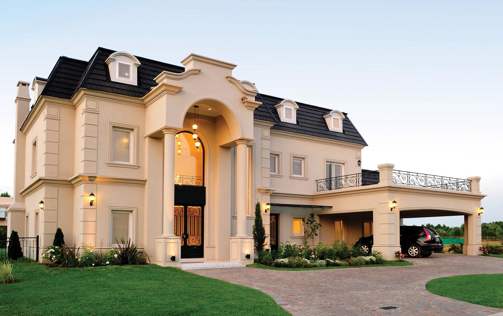 Grande maison moderne avec arche