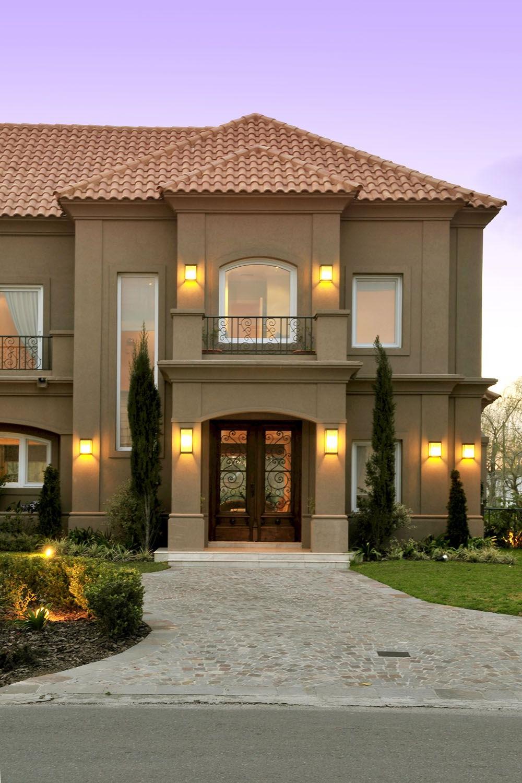 Grande maison individuelle de style contemporain