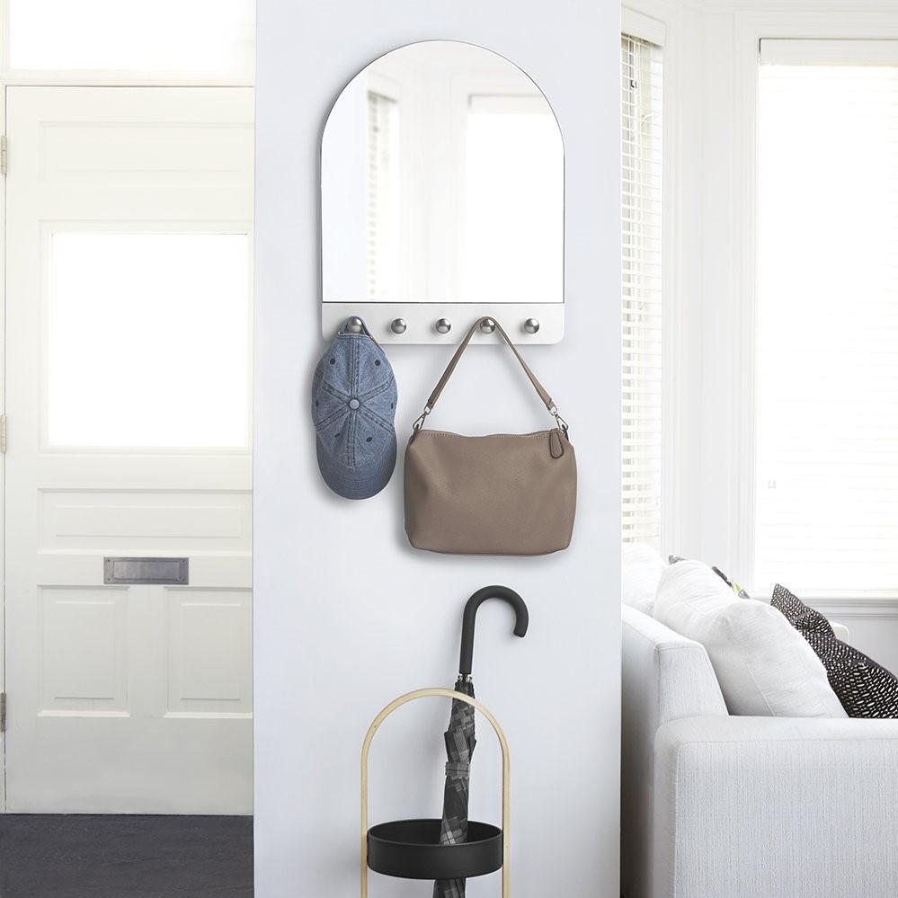 Miroir IKEA pour votre entrée.